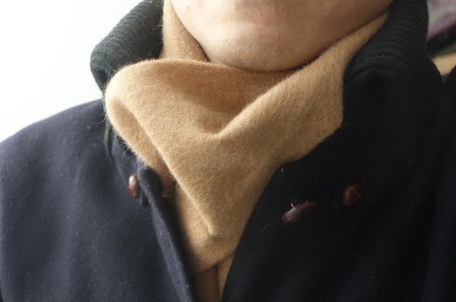 ヤーモのドンキーコート(着用時、マフラーと)