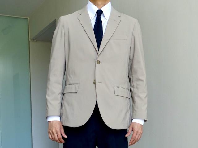 ユニクロの感動ジャケット(着用時)