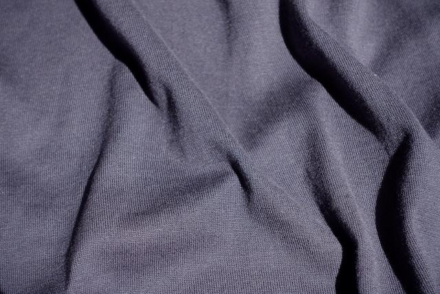 ユニクロ+Jのシルクコットンニットポロシャツ(グレー、生地)