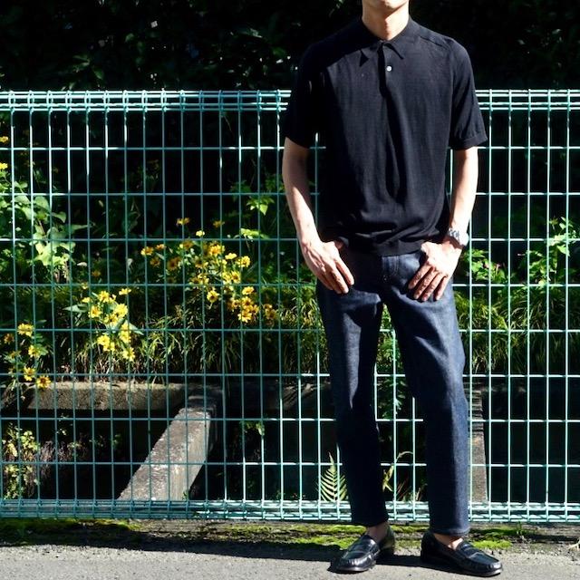 ユニクロ+Jのシルクコットンニットポロシャツ(黒、着用時)