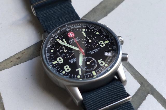 ウェンガーのコマンド・クロノグラフ、70725SAK(外観)