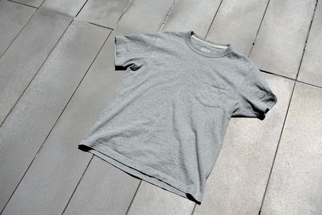 無印良品の太番手天竺編みポケット付Tシャツ(グレー、外観)