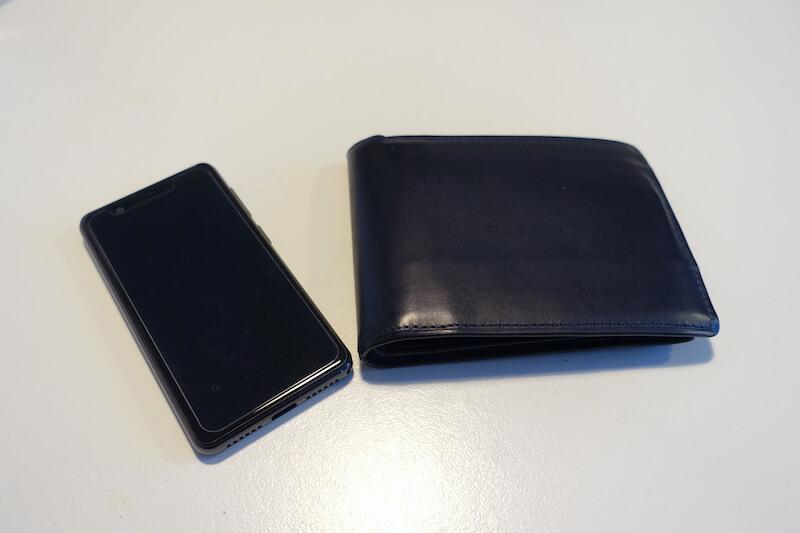 楽天モバイルのRakuten Miniと財布