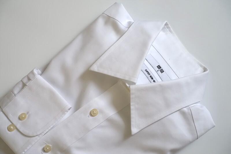 ユニクロのスーパーノンアイロンシャツ(レギュラーカラー)