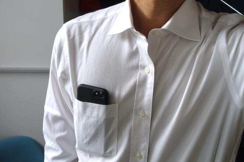 ユニクロのスーパーノンアイロンシャツ(胸ポケット)