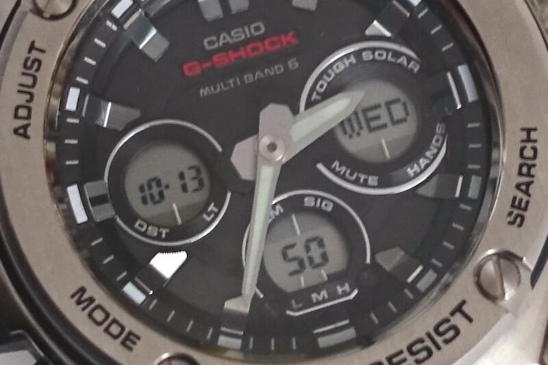 カシオのG-スチール、GST-W310D-1AJF(液晶のインダイアル)